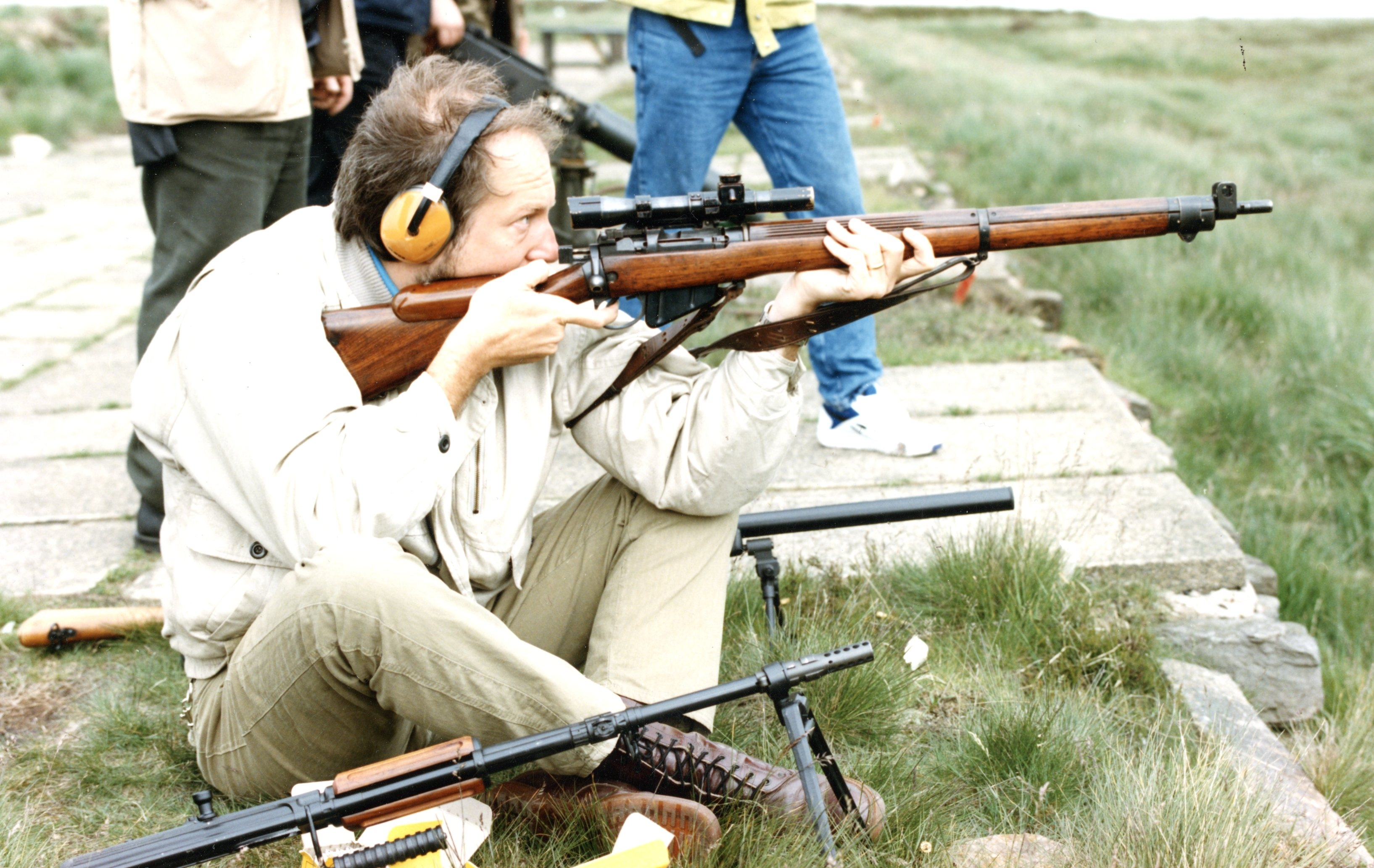 author shooting his 1943 Enfield
