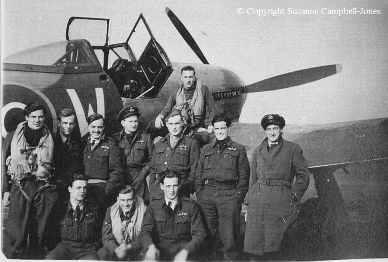 1944 266 squadron Bob 3rd right.jpg
