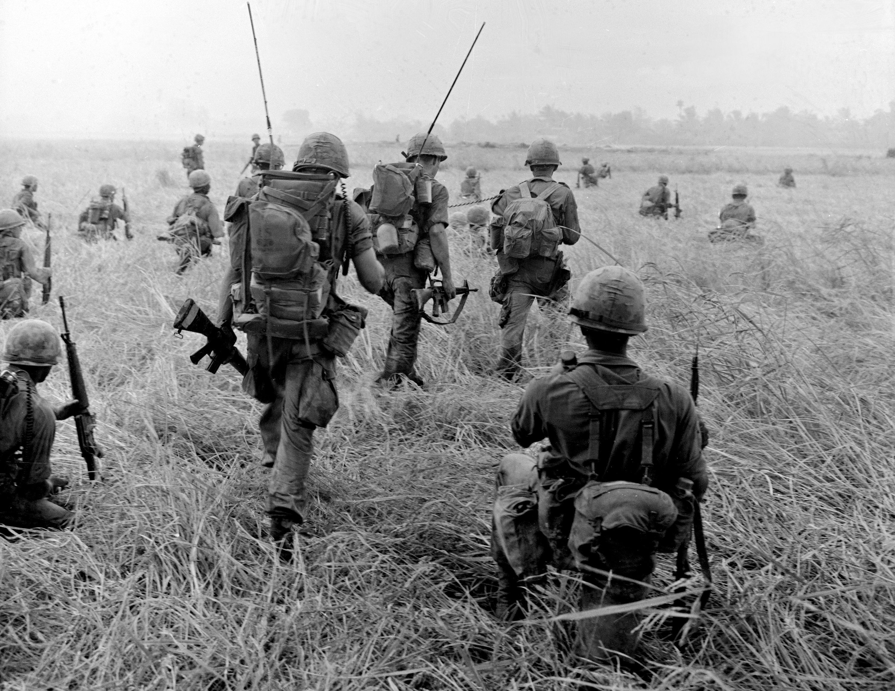 U.S. Army infantry searching for Việt Cộng, 23 January 1966