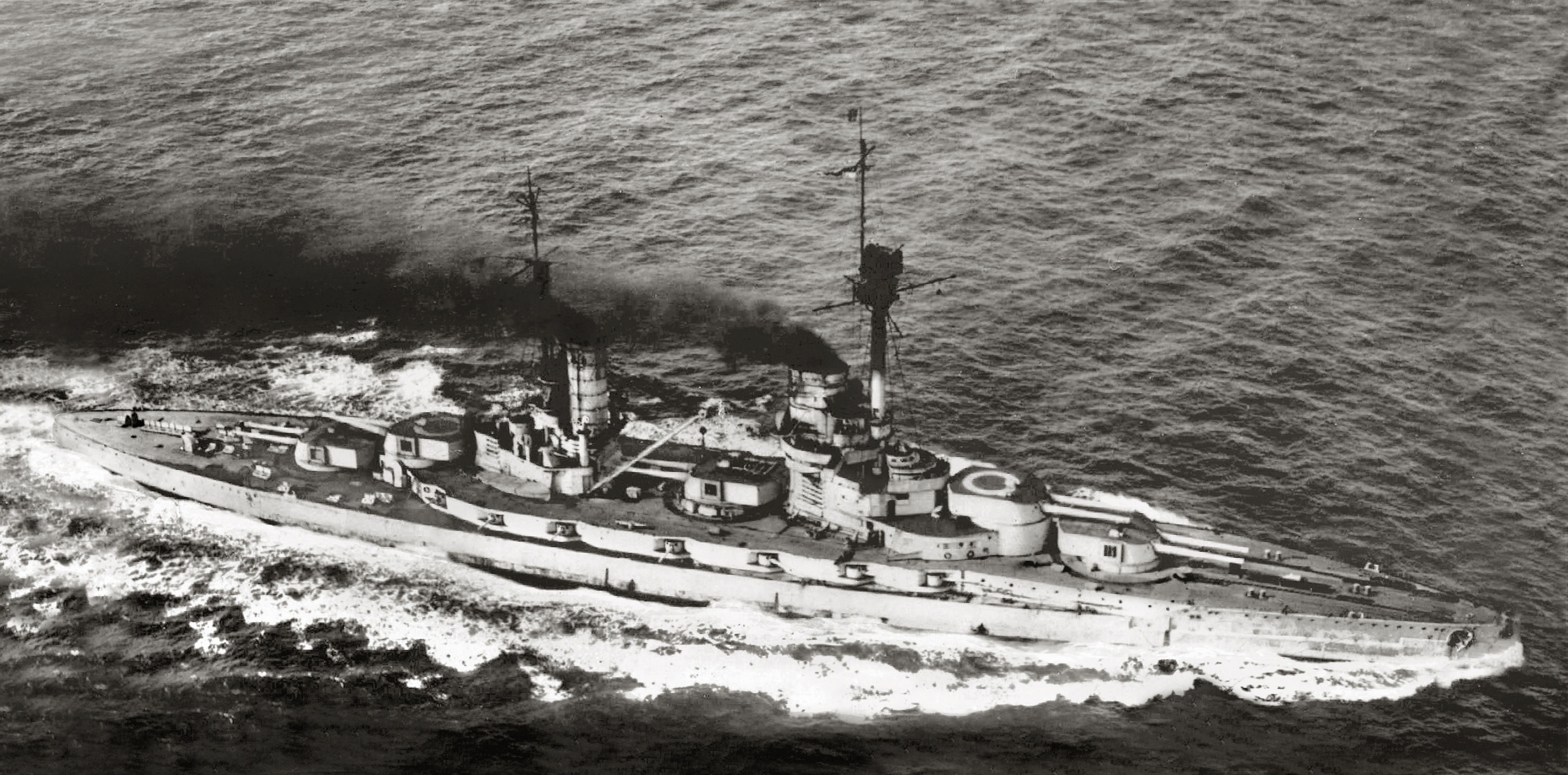 German König class dreadnought underway